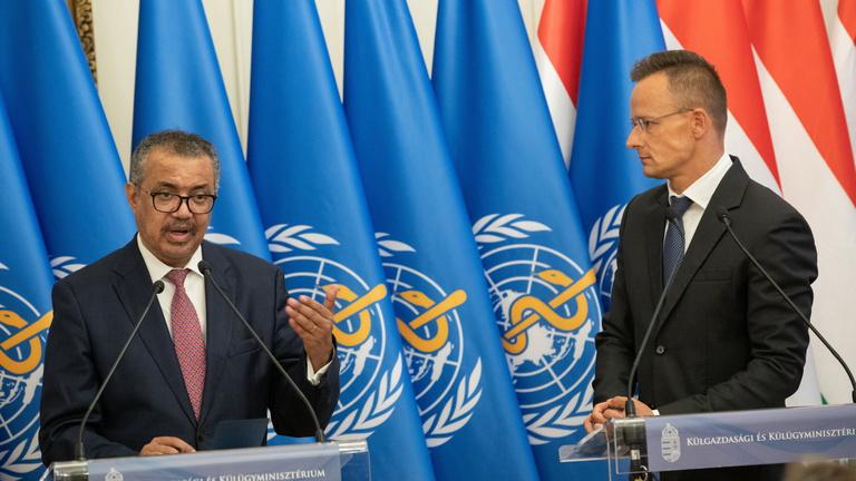 Harmadik oltás: a WHO főigazgatója halasztásra kérte Magyarországot