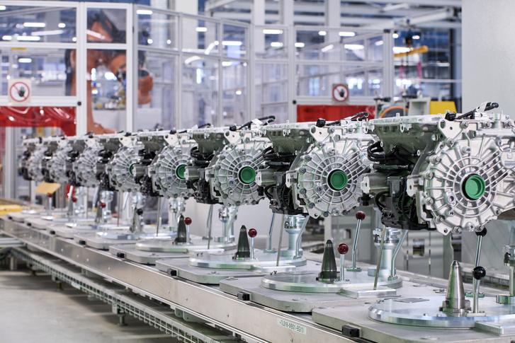 Sorozatban készülnek már az elektromotorok, de szakértők szerint ez még nem elég