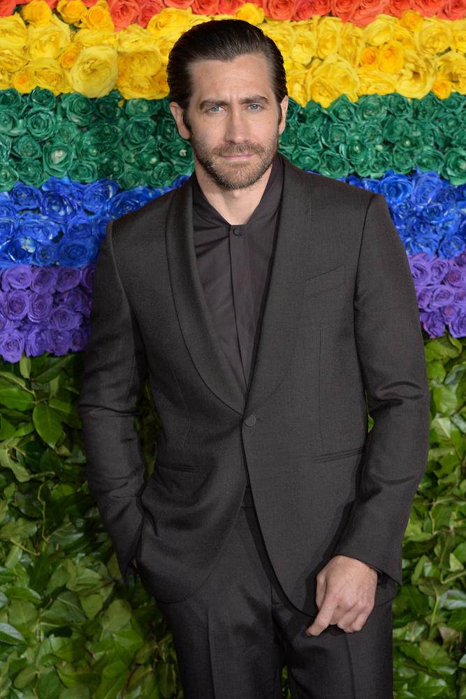 """Az Oscar-díjra is jelölt 40 éves színész, Jake Gyllenhaal korábban a Vanity Fairnek mesélt arról, hogy mi a véleménye a fürdésről.                         """"Egyre kevésbé látom szükségesnek a fürdést"""" - fogalmazott a színész, akivel úgy tűnik, Ashton Kutcher és Mila Kunis is egyetért"""