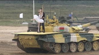 Tankokon adták elő A hattyúk tavát Oroszországban