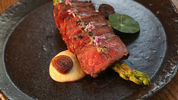 Wagyu steaket nyomtattak egy japán laboratóriumban
