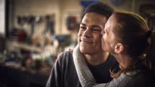Betegesnek tartják a nőt, aki a fia barátjával randizik, közel 20 év köztük a korkülönbség