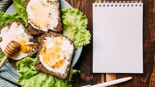 Reggeli pirítós fenszi változatban: parmezánnal és buggyantott tojással