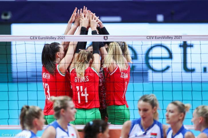 Az első szett végén lendületbe került a magyar válogatott, ami a teljes másodikra is megmaradt