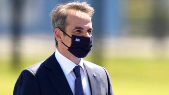 A görög miniszterelnök elismerte: hibáztak az erdőtüzeknél
