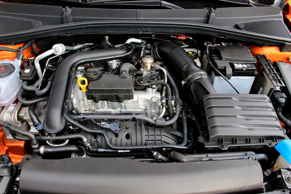Pazar a technikája, de kis fordulaton eléggé vérszegény az egyliteres turbómotor erősebb változata is. Csak 2200/perc felett húz rendesen