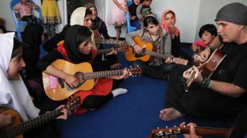 Betiltották a zenét Afganisztánban