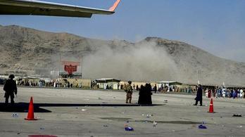 Robbantások a kabuli reptéren, rengeteg a halott