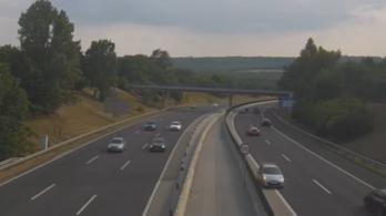 Kirakott egy videót a közút – ezt senki ne csinálja az utakon!
