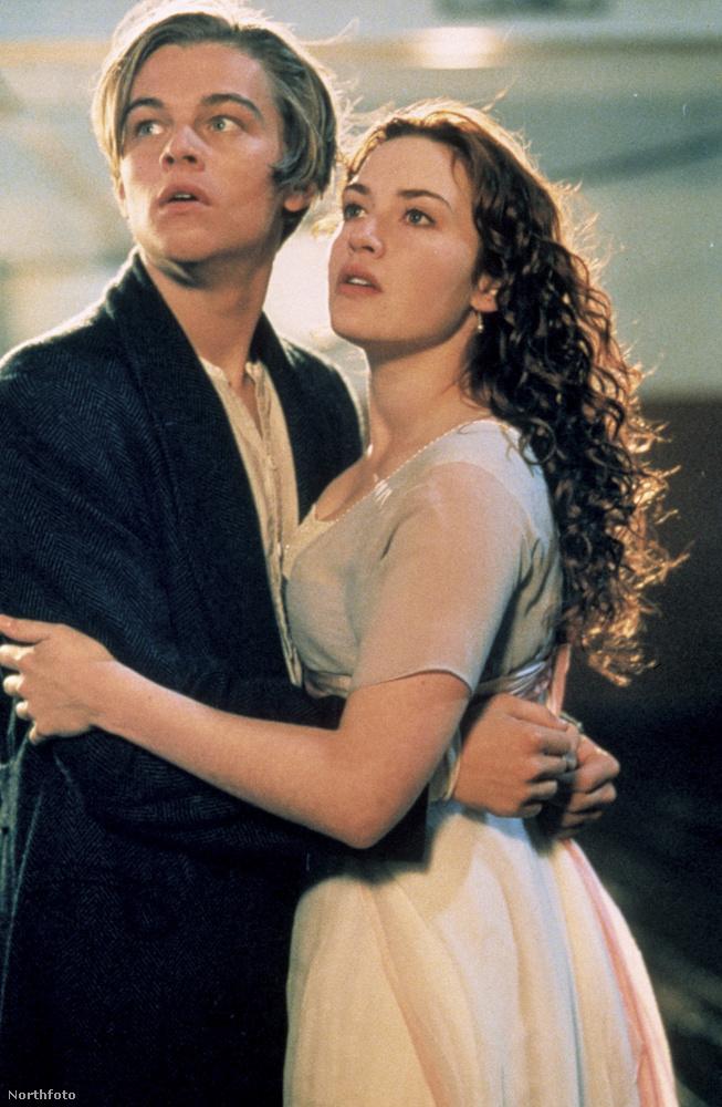 A Titanic (1997) forgatásán Kate Winslet úgy döntött, nem vesz fel semmilyen vízhatlan ruhát az alá az öltözék alá, amelyet a filmben láthattunk rajta, ennek pedig meg lett a böjtje