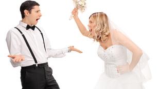 Ez a menyasszony az interneten kérdezte meg, hogy kidobja-e a vőlegényét - ön mit gondol?