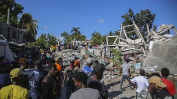 Orvosi felszerelést szállít az EU a földrengés sújtotta Haitira
