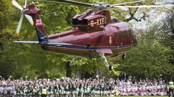 Kényszerleszállást hajtott végre II. Erzsébet helikoptere