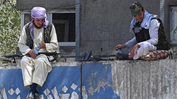 Megkezdték az amerikai katonák kivonását, tálib kézben a kabuli reptér