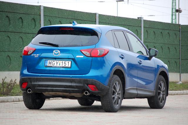 A dupla kipufogó úgy látszik fontos elem a Mazda új modelljeinél