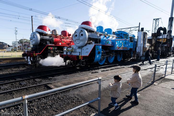 Thomas és barátja, James valódi vasúton Japánban 2018-ban