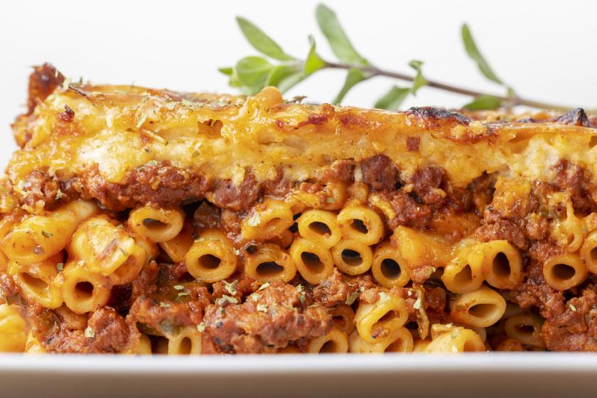 Görög makaróni sajtszósszal, összesütve: a pastitio sokszor kipróbált receptje