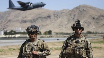 Ezrével hagyták hátra afgán szövetségeseiket a nyugati erők