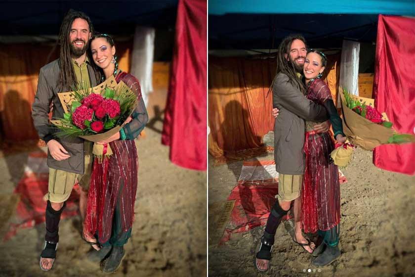 A Nemzeti Lovas Színház előadása után kapták el ezeket a szerelmes pillanatokat. Tökéletes képek egy évforduló ünnepléséhez.