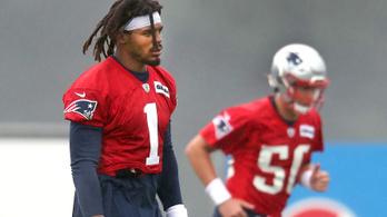 Menesztették a liga korábbi legjobbját, Brady utódja kezd a rajton