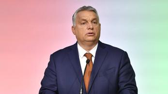 Orbán Viktor vonalzóval köszöntötte az iskolásokat