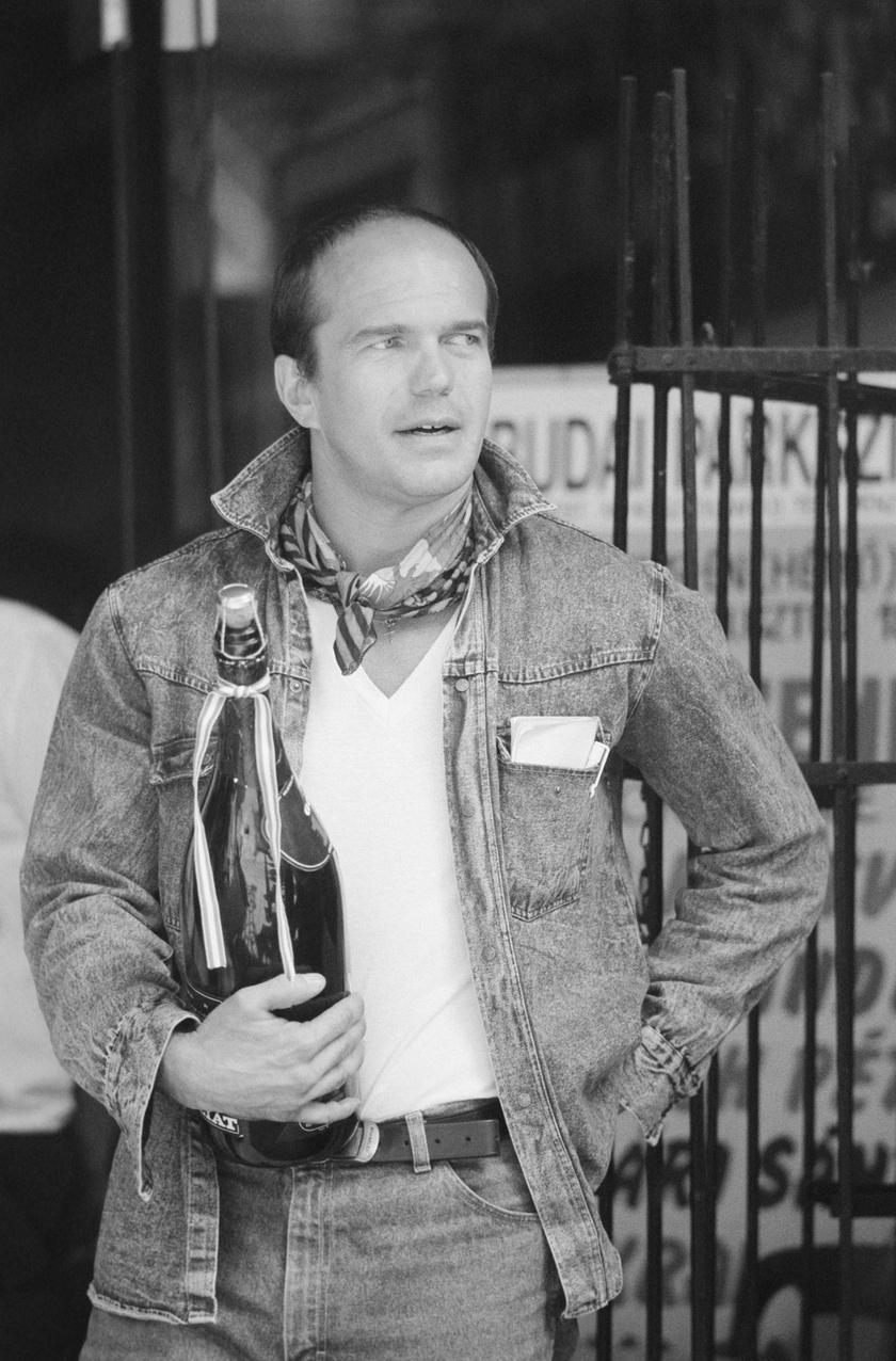 Bubik István 2004. november 28-án reggel az előző napi szolnoki előadása után hazafelé autóbalesetben vesztette életét.