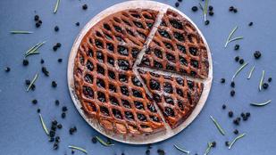 Gyors nyári almás-vaníliás feketeribizli-pite