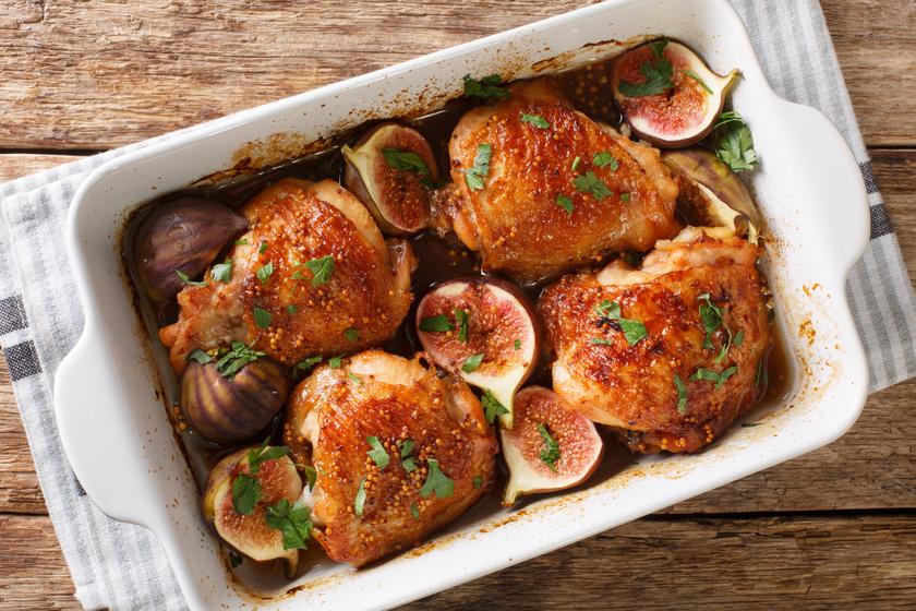 Fügével sült mézes-mustáros csirkecomb: fenséges, szaftos ebéd a sütőből