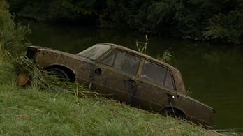 Rossz helyen parkolt a Zsiguli a Zala folyó medrében, kiemelték