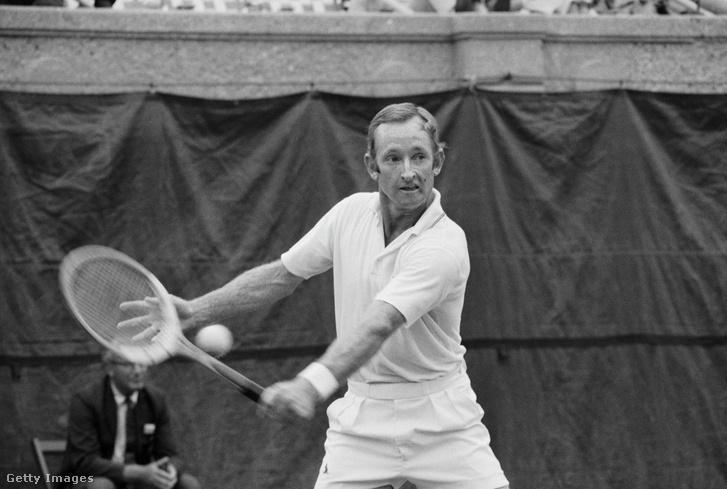 Rod Laver az Open-érában az egyetlen férfi teniszező, akinek sikerült a naptári Grand Slam. Azóta nevét a Australian Open centerpályája viseli.