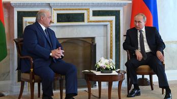 Lukasenko derűlátó, Putyin majd kitömi orosz fegyverekkel