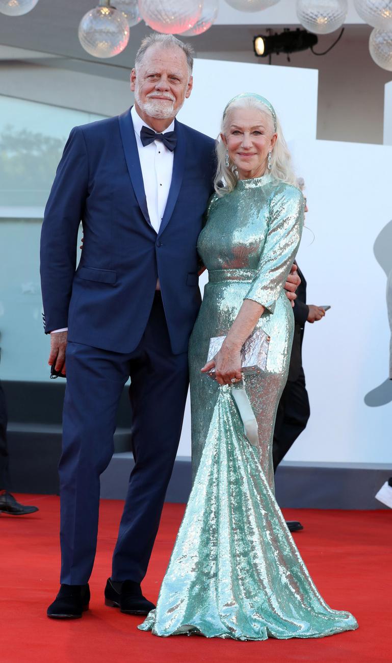 Bár a híresség korábban sosem ábrándozott arról, hogy egyszer férjhez megy, az élet más forgatókönyvet szánt neki: idén decemberben Taylor Hackford rendezővel már a 24