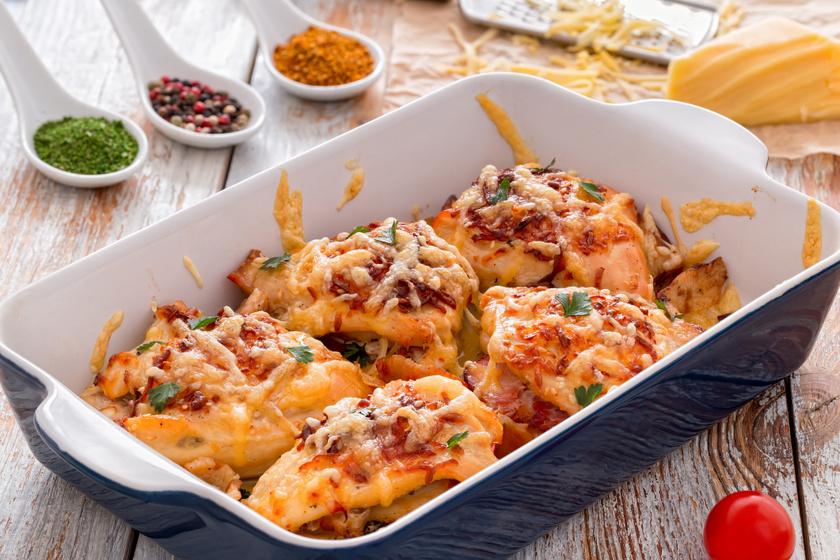 Sonkával, sajttal töltött, omlós csirkemell: a tölteléktől lesz igazán különleges