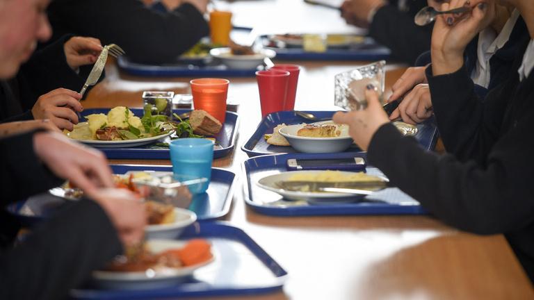 Hogyan hatnak az élelmiszerreklámok a gyermekekre?
