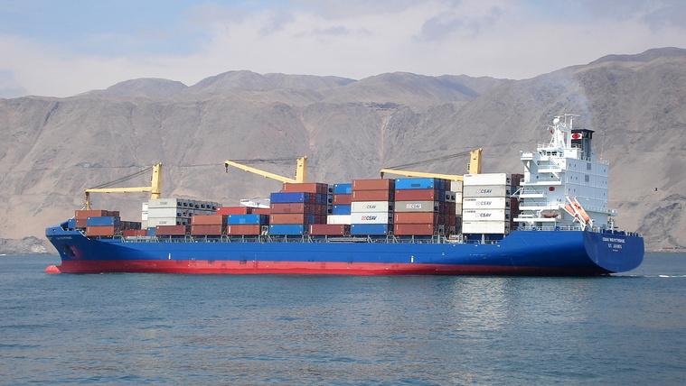 Több módon is lehet csökkenteni az óriáshajók fogyasztását/kibocsátását: valósidejű, okos kikötő-menedzsmenttel, vitorlázással, áramláshoz igazított útvonalakkal.