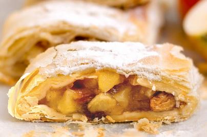 Gyors almás-fahéjas rétes mazsolával és dióval: kész lapokkal is mennyei lesz