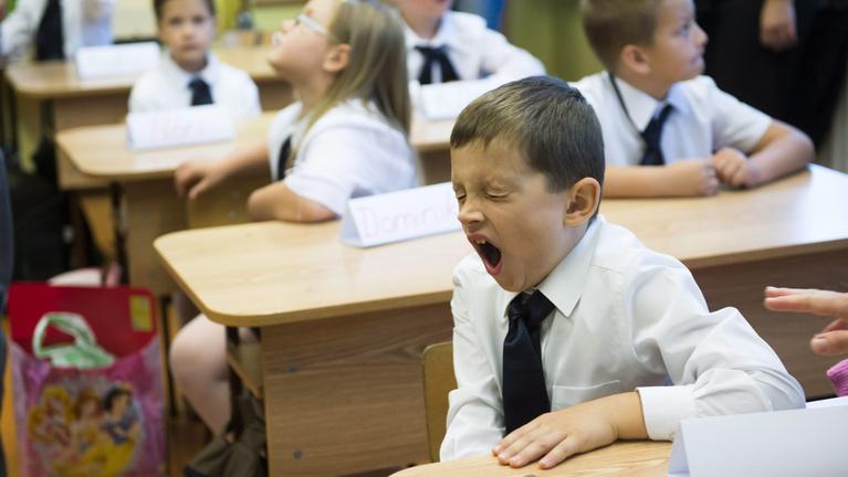 Kipihentebb diákok, kevesebb dugó: miért nem 9 órakor kezdődik az iskola?