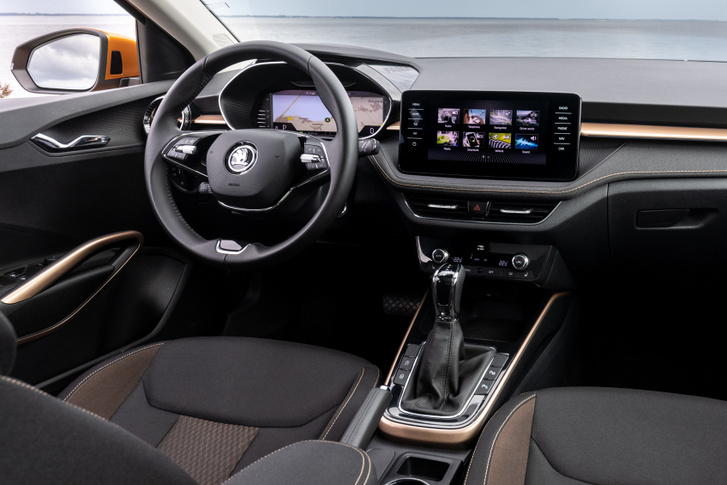 Egy jól felszerelt autó akár több száz chipet is tartalmazhat, hiszen ezek felügyelnek ma már minden elektronikus eszközt a motorirányítástól kezdve a biztonsági rendszereken keresztül a kényelmi berendezésekig