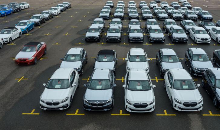 Világszinten csak augusztusig nyolcmillió autó nem készült el a chiphiány miatt