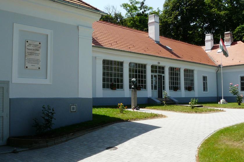 Madách-emlékmúzeum Csesztve1
