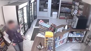 Itt a videó a balkezes rabló kétbalkezes akciójáról