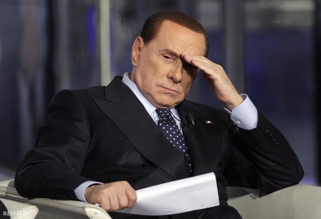 Berlusconi első fokon egy évet kapott