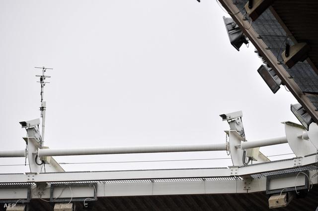 A Sólyomszem rendszert segítő kamerarendszer tesztelés alatt a southamptoni St. Mary stadionban