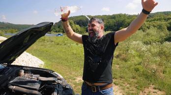 A területi képviselőknek és parkinsonos benzinkutasoknak maga a megváltás