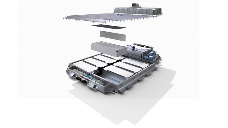 Kétféle akkumulátorral lesz hozzá kapható, a 40 kWh-sal a WLTP szerinti hatótáv 300 km, a 60 kWh-sal 470 km