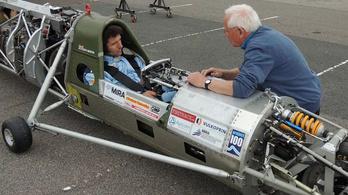 Guy Martin már teszteli a sebességrekorder szörnyet