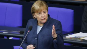 Angela Merkel hallgat a tálibokra, már egyeztetni akar