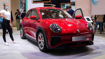 Újabb kínai autó Európában, az O2 Cat