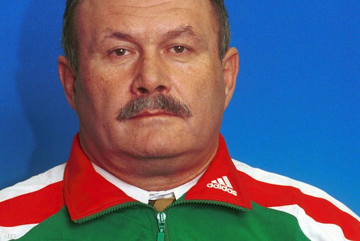 Vass Károly 2000-ben