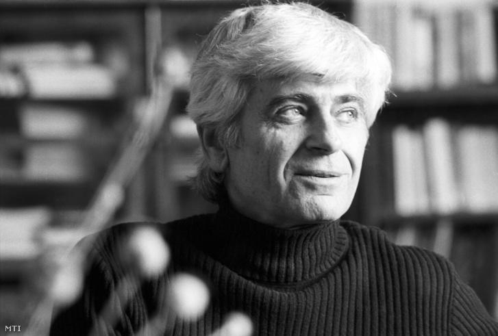 Mészöly Miklós író budapesti otthonában 1980. március 4-én